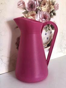 Broc/arrosoir en plastique rose bonbon