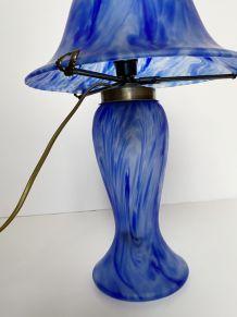 Lampe champignon en pate de verre de style art nouveau.