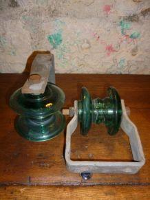 Une paire d'isolateurs en verre  EDF -
