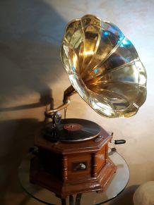 Ancien gramophone la voix de son maitre avec pavillon en lai