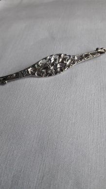 Broche Vintage style Art Nouveau / Déco motif floral métal a