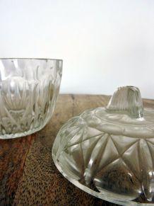 Bonbonnière / surcrier ancien en verre forme géométrique