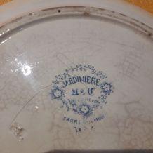 Plat en porcelaine de Sarreguemines