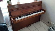 Piano brun  Sojin