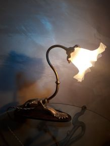 jolie petite lampe de bureau art nouveau bronze et laiton  b