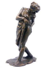 """Statue """" Nu au chignon  """" en resine patiné  ( 32 cm )"""