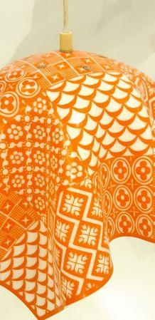 Lustre motifs orange
