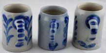 Lot de 3 chopes en grès d'Alsace décor bleu