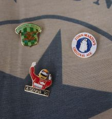 3 pin's collection