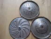 7 grilles  a râpes en métal de cuisine
