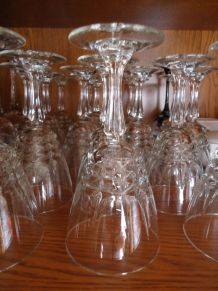12 verres à eau cristal d'arque à pied ciselés