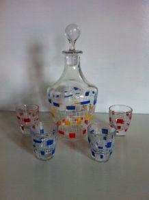 Ensemble carafe et verres vintages