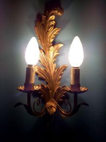 Paire d'appliques bois et métal doré