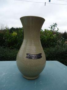 Vase en gré signé Poterie régionale en Bretagne (le Ponant