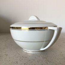 Petite théière en porcelaine de Limoges