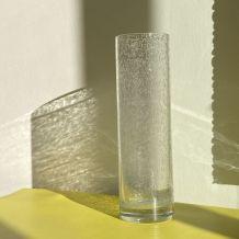 Vase en verre soufflé transparent