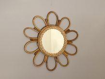 Miroir soleil en rotin arqué. 48cm. 1960.
