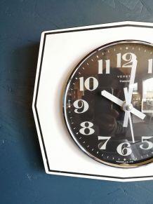 """Horloge vintage, pendule murale """"Vedette Noir & Blanc"""""""