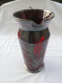 Ancien pichet en verre rouge /Collection art de la table
