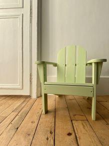 Petit fauteuil en bois pour enfant