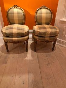 Lot de 4 chaises dorées de style LOUIS XVI