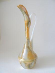 Vase soliflore en opaline