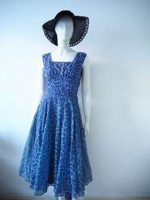 Authentique robe full circle en organdi vintage 50's