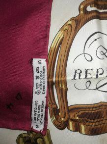 """Carré en soie Hermès """"Reprise"""" par Philippe Ledoux"""