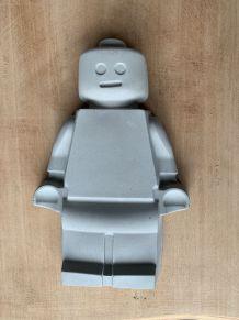 Lego géant en ciment