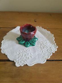 Coquetier français en forme de fleur style Vallauris