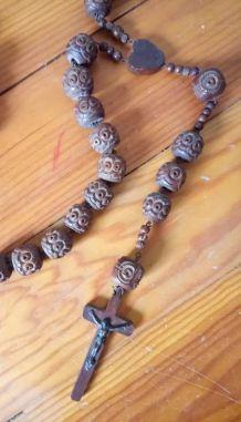 Ancien chapelet rosaire en bois sculpté