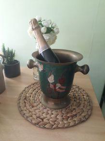 seau à champagne cuivre et  laiton , décor émaux