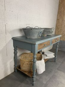 Table de toilette/ bureau