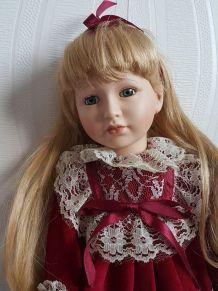 Ancienne poupée en porcelaine 39 cm