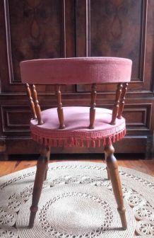 Chaise ancienne en velours rose