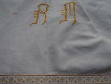 Drap monogrammé