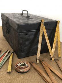 Caisse à outils métallique, accessoire industriel