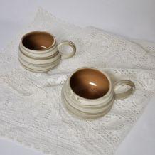 2 mugs  céramique-argile