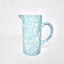 Carafe en céramique bleue