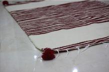 Tapis kilim fait main en laine blanc et rouge