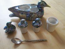 ensemble sel poivre moutarde porcelaine forme oiseaux   .vin
