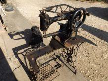 MACHINE A COUDRE SIN GER COL DE CYGNE ANCIENNE  FONCTIONNE
