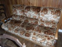 Canapé et 2 fauteuils, structure bois.