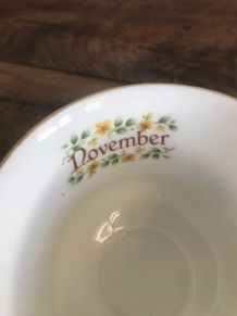 Tasse et sous-tasse Novembre/November angleterre