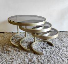 Tables basses gigognes métal et verre fumé – années 70