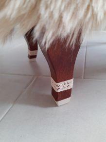 Repose-pieds vintage relooké fausse fourrure Darma