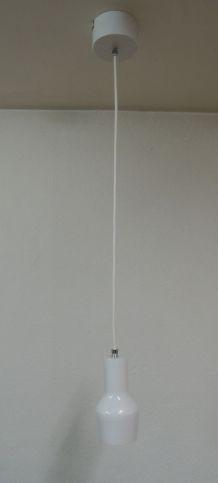 Suspension blanche en métal