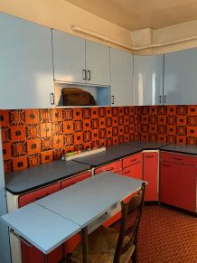 Cuisine aménagée vintage en formica ( années 50 )