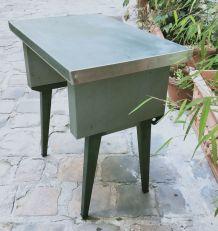 Table d'appoint vintage en metal