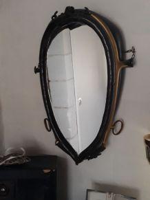 collier de cheval avec miroir